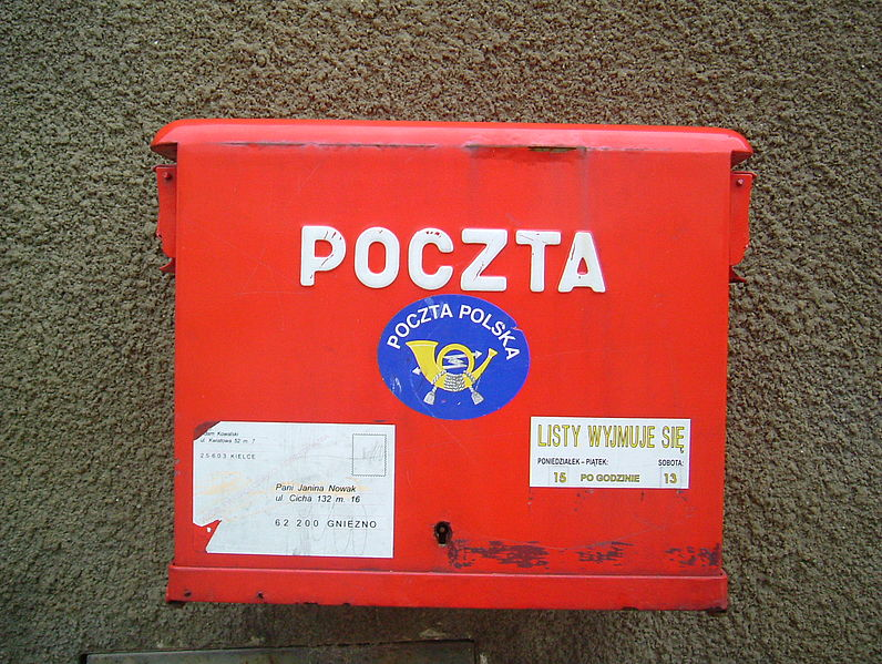 796px-Red_post_box_in_Poland_2006